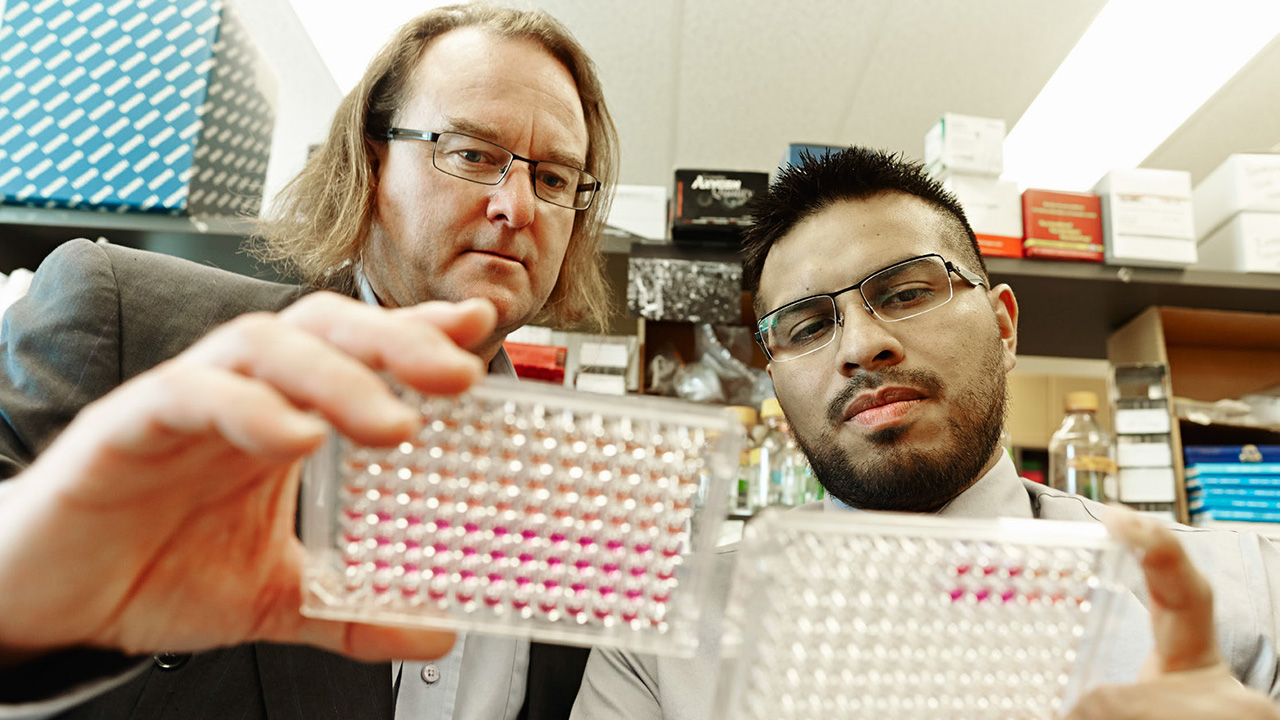 Dr. James Carlyle, a senior scientist at Sunnybrook Research Institute, and his former PhD student, Dr. Oscar Aguilar,