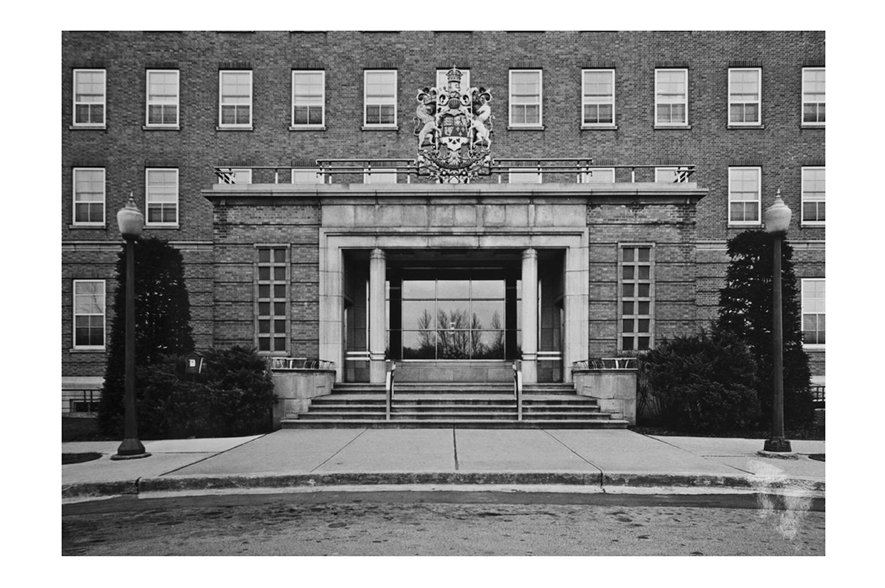 Entrance to Sunnybrook. 1948.