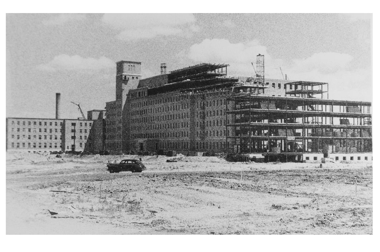 Sunnybrook under construction. 1946.